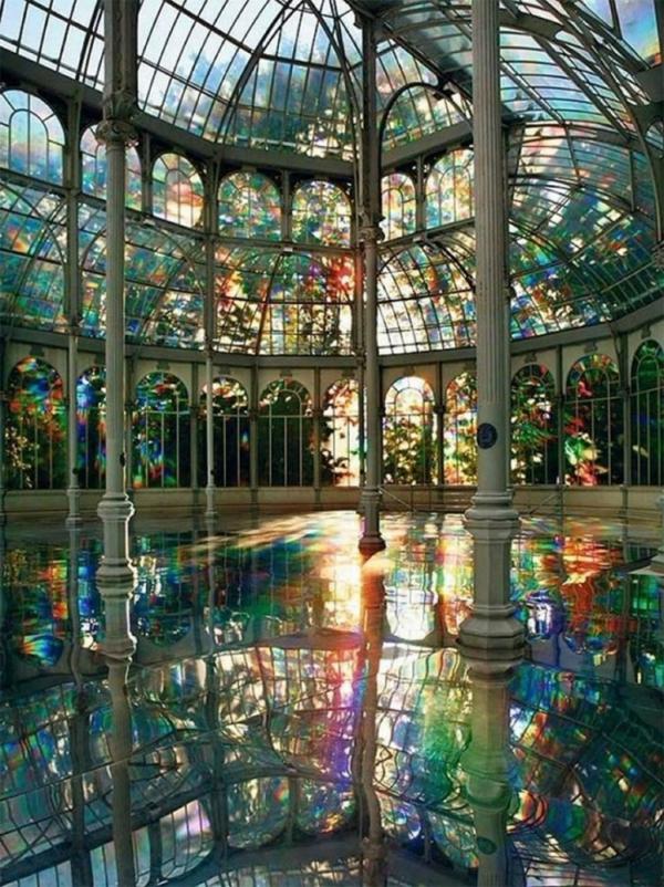 plafond-avec-miroir-Kimsooja-le palais-des-arcs-en-ciel