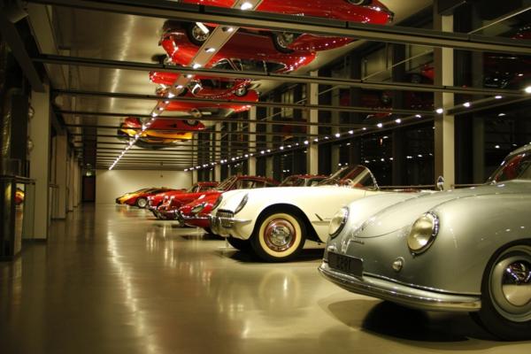 plafond-avec-miroir-pour-un-parking