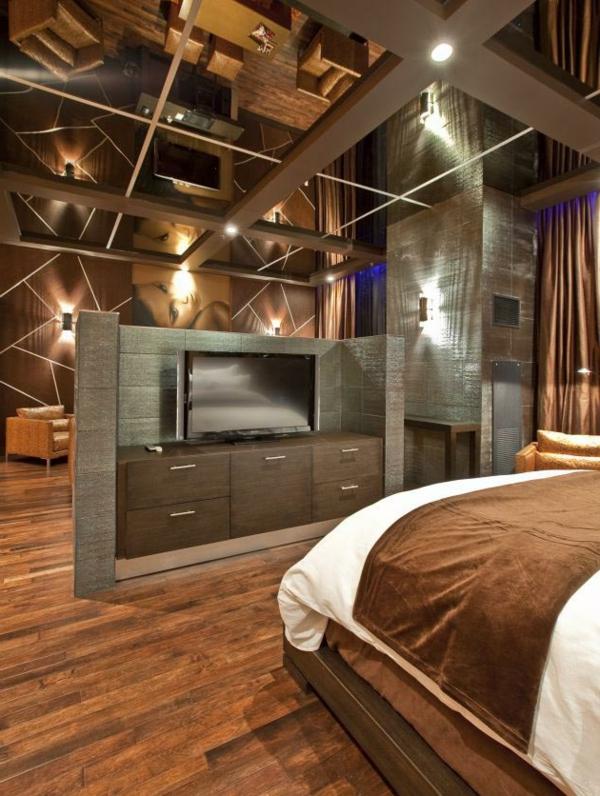 plafond-avec-miroir-un-intérieur-d'hôtel-en-Las-Vegas