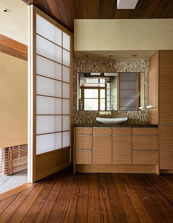 portes-coulissantes-japonaises-pour-la-salle-de-toilettes