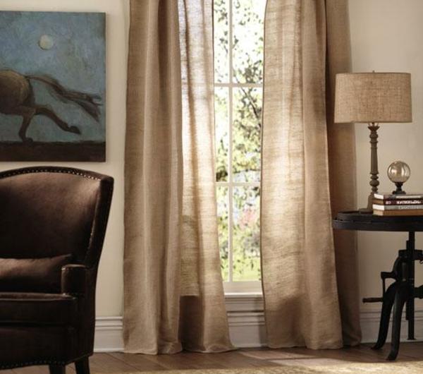rideaux-contemporains-lin-naturel-fenetre-assorti-lampe