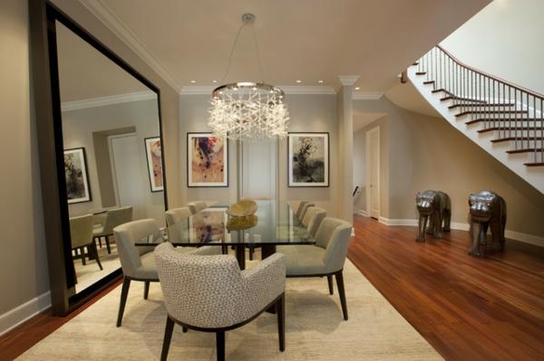 salle-a-manger-moderne-avec-escalier