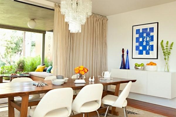 salle-a-manger-moderne-fleurs-table