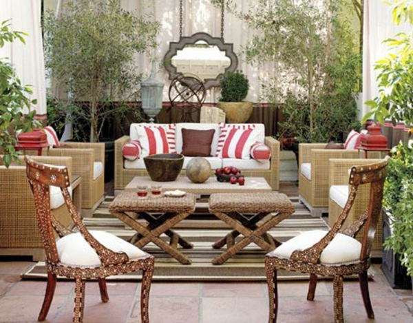 salon-de-jardin-contemporain-beige-chaise-interessante