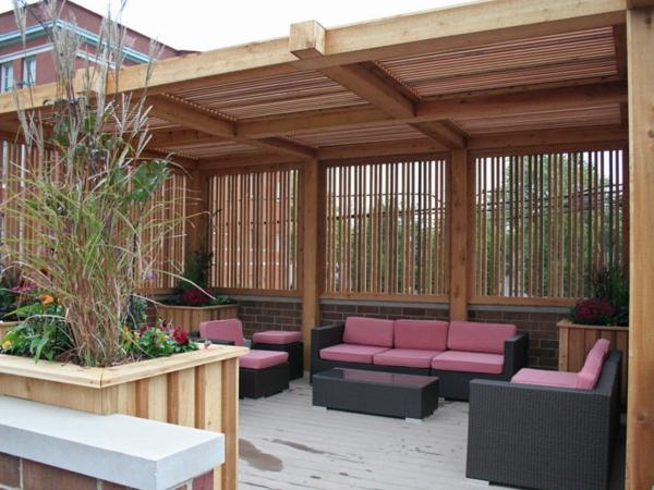 salon-de-jardin-contemporain-confort-canapes-violet