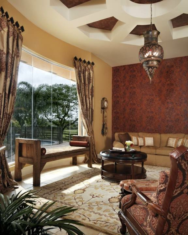 salon-marocain-moderne-inspiration-grande-fenetre-ovale