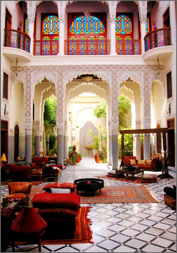 La d coration salon marocain la symbiose entre tradition for Decoration des maisons marocaine
