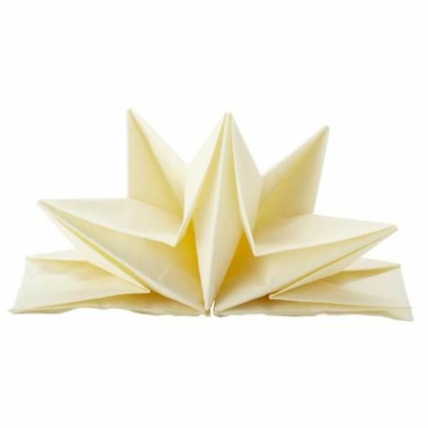 serviettes-en-papier-prepliees