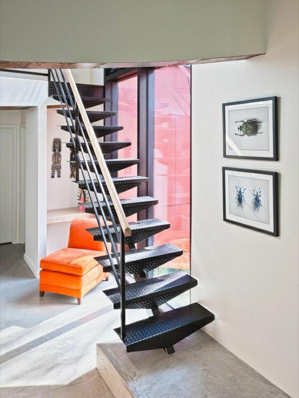 meuble-design-scandinave-un-escalier-en-acier