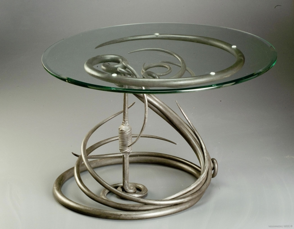La table basse en fer pour votre int rieur et ext rieur for Table en verre fer forge