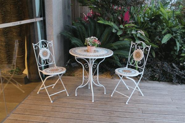 table-basse-en-fer-mignonne-pour-l'extérieur