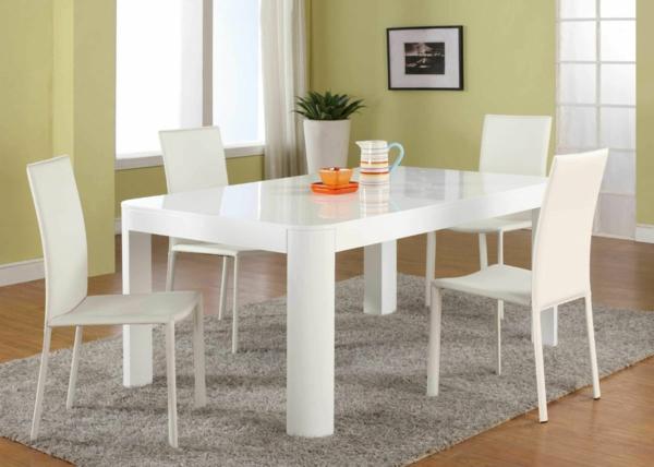 table-laquée-blanche-dans-une-salle-de-déjeuner