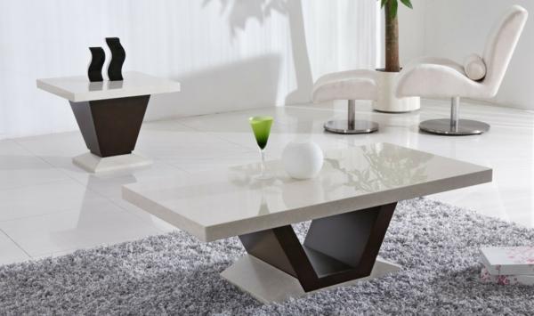 table-laquée-blanche-et-un-apiètement-noir