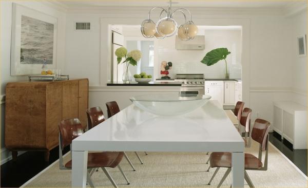 table-laquée-blanche-et-un-coin-de-déjeuner