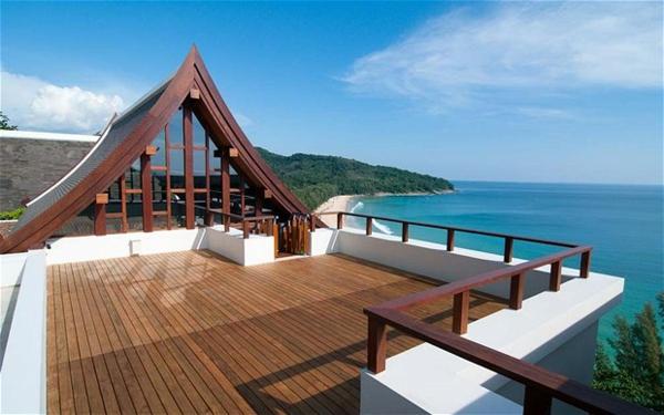 terrasse-sur-toit-avec-un-chalet
