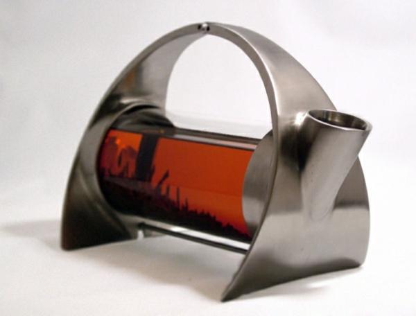 une-théière-originelle-avec-filtre