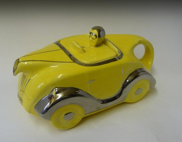une-théière-originelle-voiture