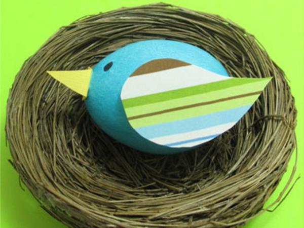 Les œufs décorés portent beaucoup de joie à tout le monde pendant ...