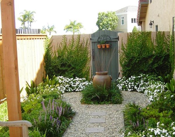unique-decoration-pour-petit-jardin