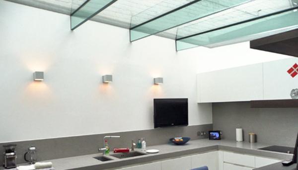 verriere-de-toit-maison-cuisine-blanc