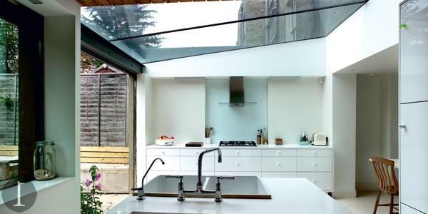 verriere-de-toit-maison-elegante-cuisine