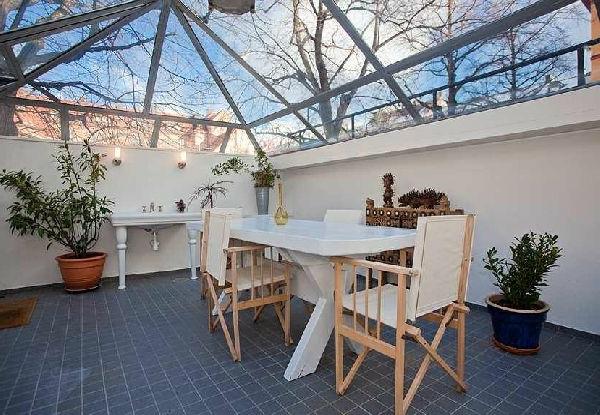 verriere-de-toit-maison-veranada-sol-carrelage