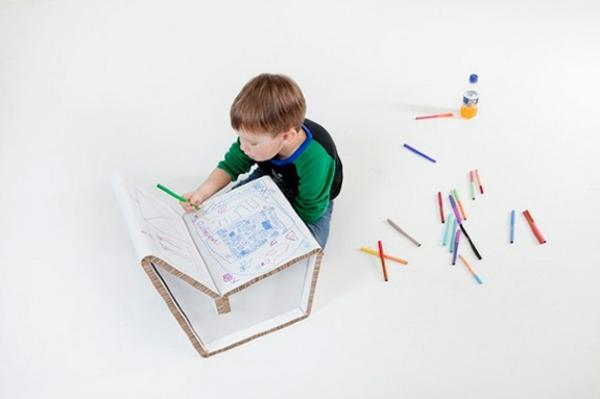 Kenno-chaise--pour-enfant-en-blanc-jolie-design
