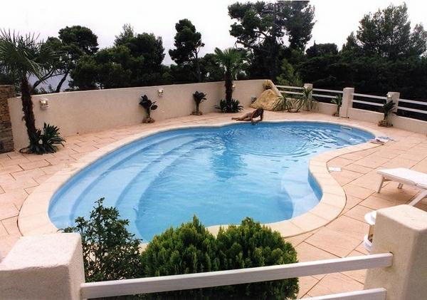 Modern-inground-kidney-shaped-swimming-pools-design-resized