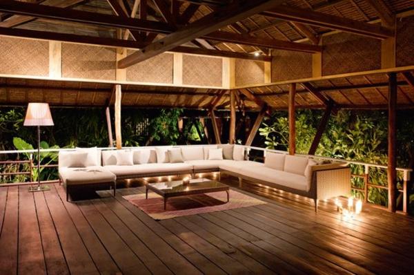 Am nager son balcon comme un coin de repos avec jardin - Comment amenager un petit balcon ...