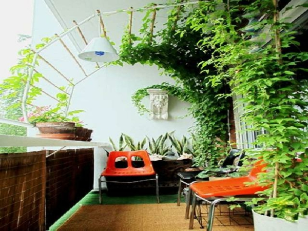 decoration balcon avec plantes. Black Bedroom Furniture Sets. Home Design Ideas