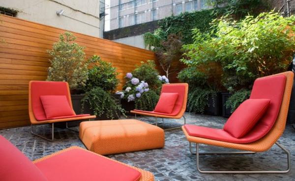 Am nager son balcon comme un coin de repos avec jardin for Amenager un petit coin de jardin
