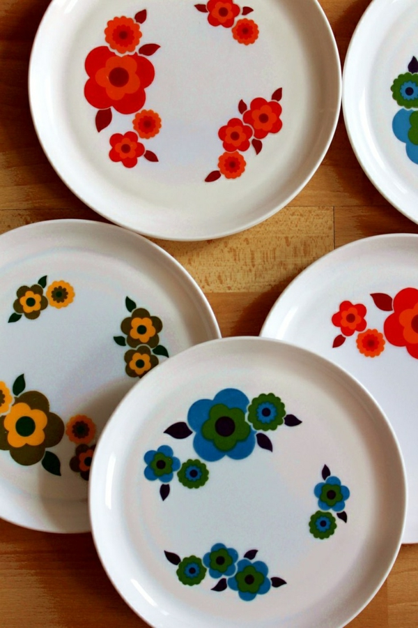 assiette-arcopal-fleurs-plusieurs