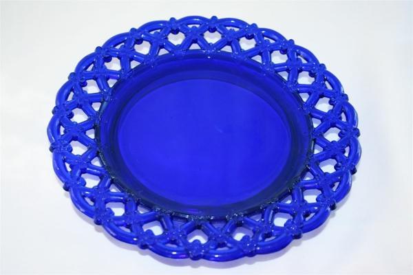 assiette-arcopal-vintage-bleue