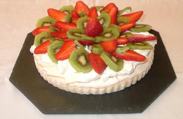 assiette-ardoise-avec-unte-tarte