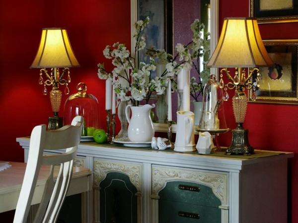 bahut-de-salle-à-manger-avec-deux-lampes