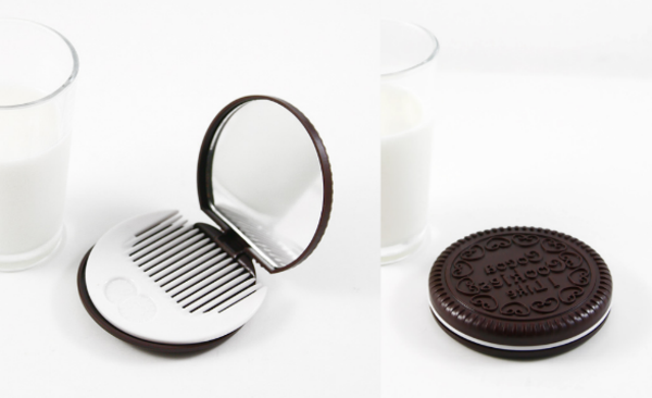 biscuit-miroir-de-poche-et-peigne