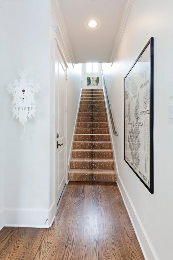 brun-tapis-d'escalier