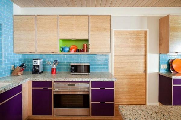 carrelage-mural-de-cuisine-bleu