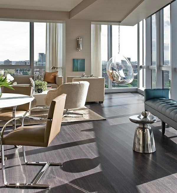 chaise-suspendue-dans-un-intérieur-moderne-aux-couleurs-neutres
