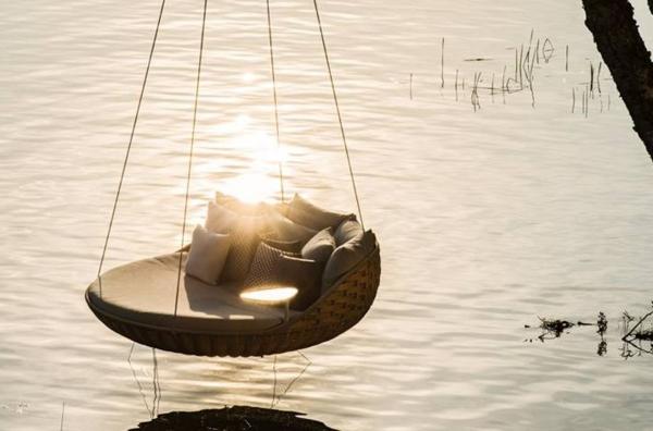 chaise-suspendue-pour-un-extérieur