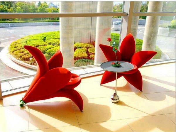 chaises-contemporaines-comme-des-fleurs