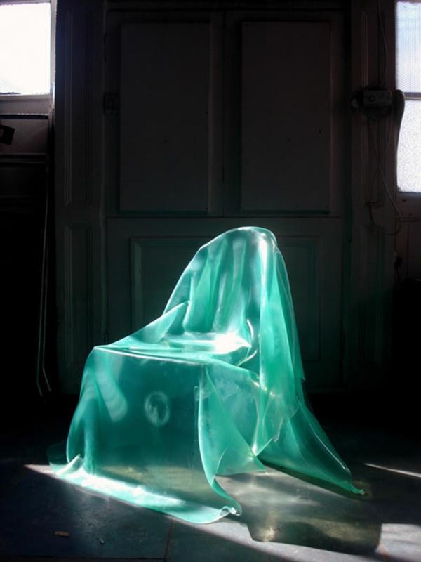 chaises-contemporaines-une-chaise-fantôme