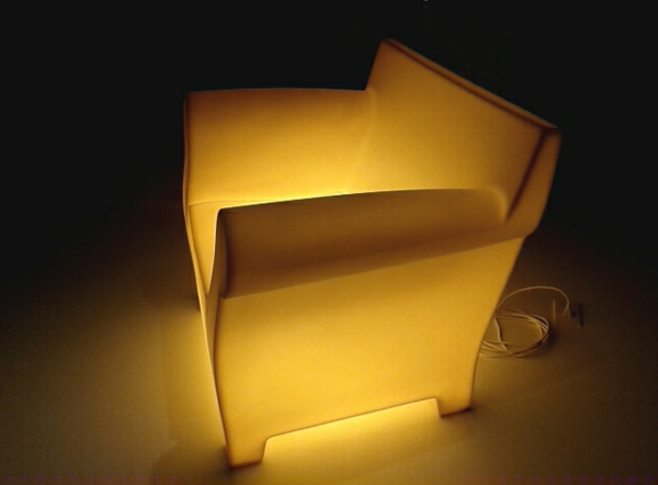 chaises-contemporaines-une-chaise-lumineuse-de-philippe-starck