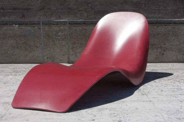 chaises-longues-originelles-une-chaise-minimaliste
