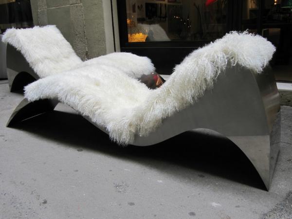 chaises-longues-originelles-chaises-en-acier-et-textile-à-longs-poils