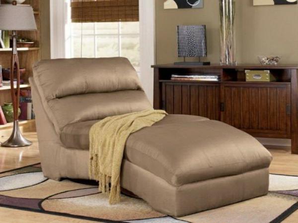 chaises-longues-originelles-en-beige