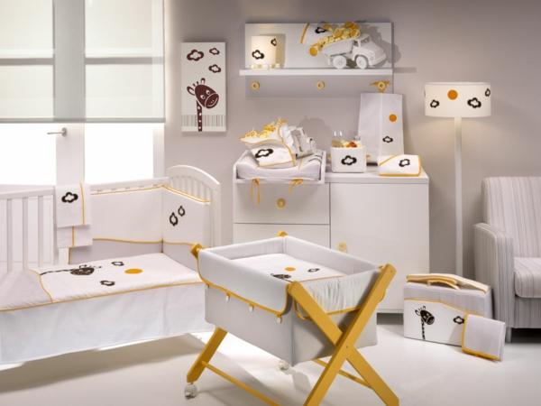 chambre-a-coucher-bébé-table-à-langer-murale