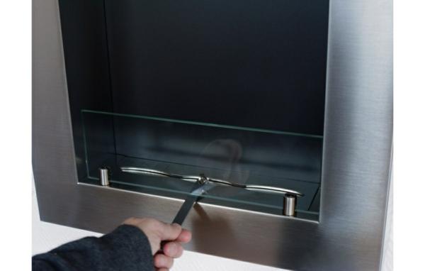 cheminée-bio-éthanol-murale-carrée-inox-avec-brûleur-réglable-quadra