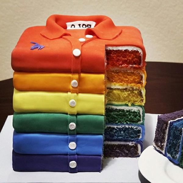 chemise-gâteaux- d'anniversaire