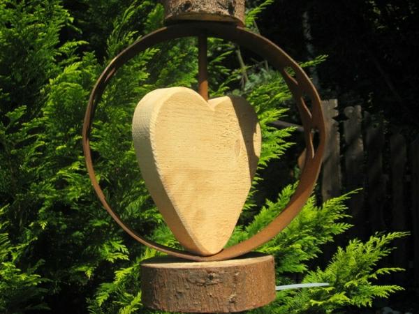 coeur-cercle-rouille-decoration-jardin
